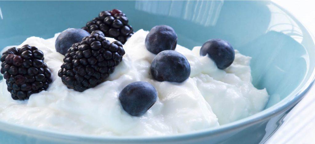 Berries in yoghurt